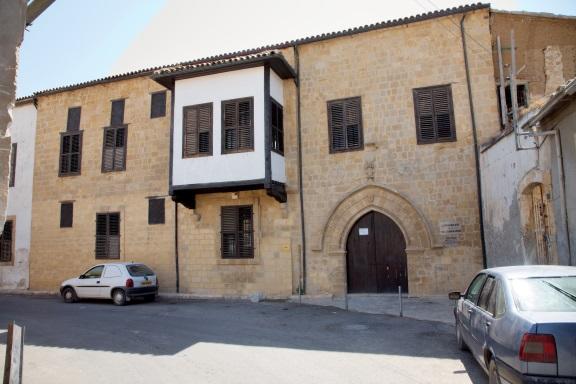 lus house